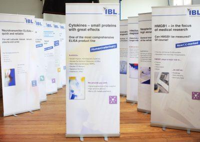 Roll ups für medizinische Spezialpräparate der Fa. IBL International, Hamburg.